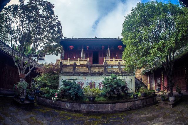 Il primo tempio del complesso di Shibaoshan